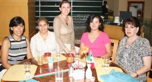 Sylvia de Ávalos, Aracely de Chibli, Lorena de Ávalos, Yazmín de González y María Luisa de Félix.