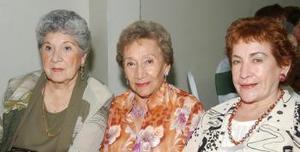 <u><i> 11 de septiembre de 2004</u></i><p>  Tencha de Robles, Mague de Moreno y Carmelita de García.