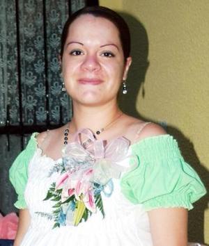 <u><i> 11 de Septiembre de 2004</u></i><p>  Claudia Mejía de Sánchez recibió sinceras felicitaciones, en la fista de regalos que se le ofreció en días pasados.