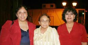 Angelina Sotomayor, Irtene Martínez e Irma Esquivel
