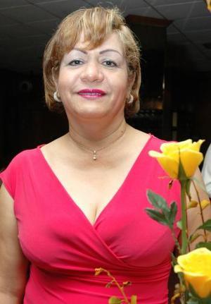 Hilda María Mireles de Pérez festejó su cumpleñaos con un agradable convivio..