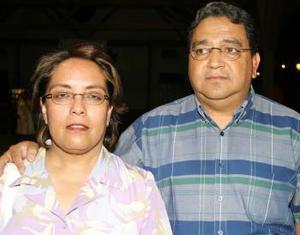 María Socorro Torres de Lira y Salvador Lira