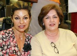 Susana de Rissek y Cristina de Morales.