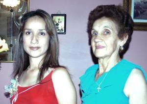 <u><i> 13 de Septiembre de 2004</u></i><p>  Martha Alicia Contreras Ruelas acompañada de Martha Ruelas, en su despedida de soltera.