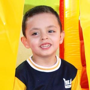 Jesús Javier Osuna Domínguez, captado en su fiesta de cumpleñaos efectuada en días pasados.