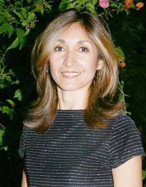 <u><i> 14 de septiembre de 2004</u></i><p> Irma Reza Téllez de Escudero, captada en el convivio que le ofreció la familia Escudero Reza, con motivo de su cumpleaños.