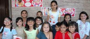 Gabriela Anahí García Castillo acompañada de sus amiguitos, en el convivio de cumpleaños..jpg
