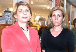 <u><i> 16 de septiembre de 2004</u></i><p>  Rosa María Rojas y Rosario Garza..jpg