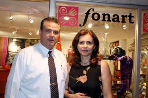 <u><i> 16 de Septiembre de 2004</u></i><p>  Ricardo Pérez y Flor de Pérez.