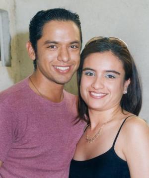 Eduardo Antonio Camacho Arrañaga y Karla Ivone Rocha Collazo.