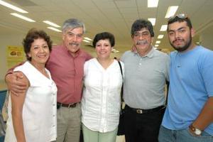 <u><i> 19 de Septiembre de 2004</u></i><p>   Laura Patricia, Eduardo I, Eduardo II y Manuel Roberto, integrantes de la familia Sosa.