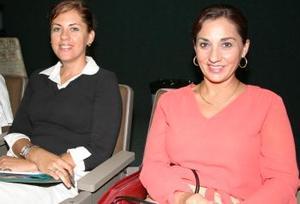 Adriana de Aguilar y Mayela Garza Méndez.