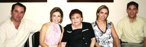 Rogelio Villarreal, Paola de Villarreal, Angélica de Amarante, Ale y Fernanado Russek.