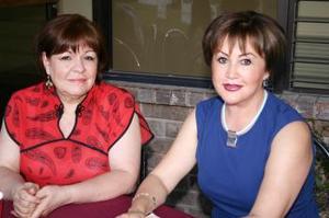 <u><i> 19 de septiembre de 2004</u></i><p>   Yolanda Medellín y Magaly Necochea.