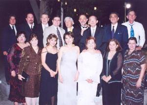 Familiares y amigos acompañaron a Baltazar y Cecilia es la celebración por su matrimonio.