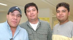 <u><i> 20 de Septiembre de 2004</u></i><p>   Roberto MArtínez viajó a Brownsville, Texas y fue despedido por Diego y Joaquín Morales.