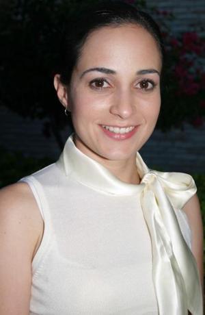 Lucila Hernández García fue despedida de su vida de soltera por su próximo matrimonio con Fernando González Martínez, el nueve de octubre.