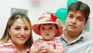 Ilse Paola Romero Pérez festejó su primer año de vida en compañía de sus papás, Adriana Pérez de Romero y José Luis Romero Puente.