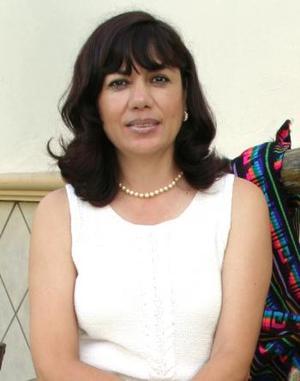 <u><i> 20 de septiembre de 2004</u></i><p>  Lupita de Murra, presidenta del Club de Jardinería Geranio.