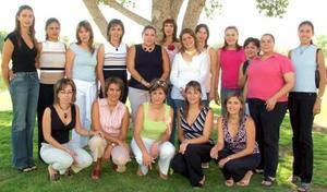 <u><i> 20 de septiembre de 2004</u></i><p>  Integrantes del Club de Jardinería Mimosa.