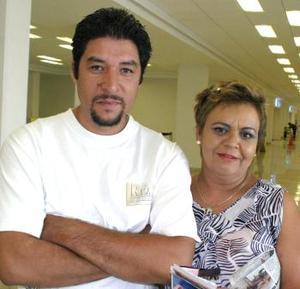 Lourdes Aguilera fue despedida por José Guadalupe Rodríguez, antes de viajar al DF.