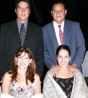 Adolfo Tijerina, Kenna de Tijerina, Wilfrido Recio y Claudia de Recio.