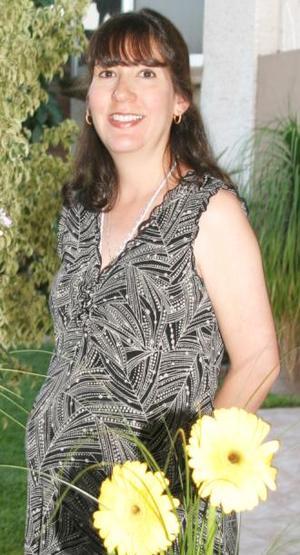 <u><i> 22 de Septiembre de 2004</u></i><p>  Laura Martínes de dueñez recibió numerosos obsequios para el bebé que espera, en la fiesta de canastilla que le organizaron.