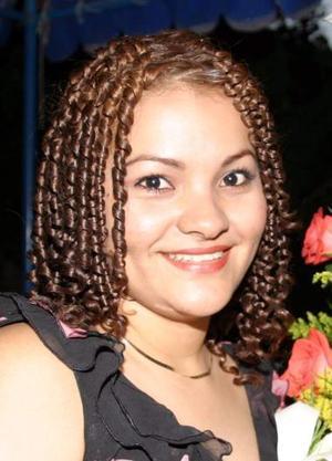 Érika Valles González unirá su vida en matrimonio a la de Javier Eduardo Vela Marmolejo, el nueve de octubre.