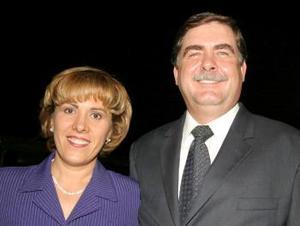 Leticia Martínez de Contreras y Guillermo Contreras.