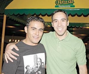 Roberto Cisneros y Enrique Cázares.