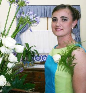 <u><i> 26 de Septiembre de 2004</u></i><p> Maricel Mijares Callau contraerá nupcias en breve, y por tal motivo disfrutó de un convivio