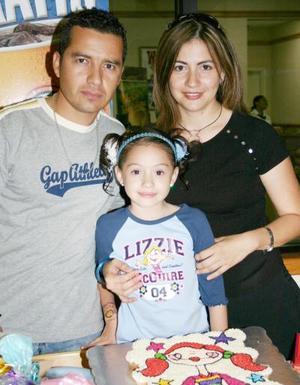 Giovanna Alba Cuéllar cumplió ocho años de vida y sus papás, Sergio Alba y Giovanna Cuéllar de Alba, le prepararon un divertido convivio.