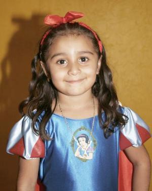 Laura Angélica Herrera Castillo cumplió cinco años de vida, y  los celebró con un divertido convivio infantil.