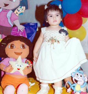 Gabirla Venegas Chávez celebró su primer cumpleaños el pasado 15 de septiembre de 2004 con un divertido convivio