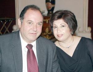 Gerardo Murra y Lupita  R. de Murra .