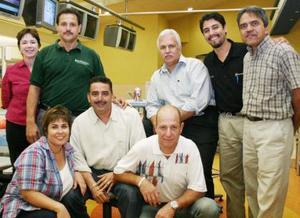 Cathy Briggs, Raúl Silva, Alberto Rojas, Samuel Ruvalcaba, Aldo Pineda, Girish Deasi, Gregorio Shaeffer y Deborah Ramírez.