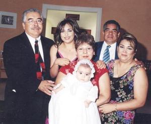 D-Arribaron de la ciudad de San Antonio, Texas, los señores Bruno García y Edilia de García para llevar a la pila bautismal de la pequeña Renata Avelar Álvarez el sábado  18 de septiembre en la capilla del Centro Saulo.