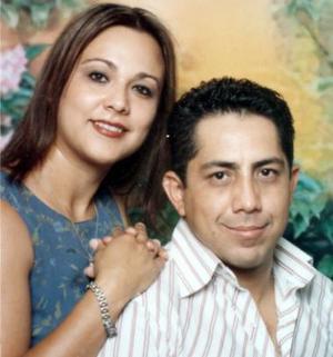 Abraham López Ramírez Sosa y Wendy González de López festejaron 12 años de casados.