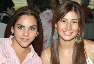Patricia Aristegui y Laura Gómez.