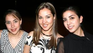 <u><i> 29 de septiembre de 2004</u></i><p>  Alicia Jayme, Claudia Velazco y Karina Mier.