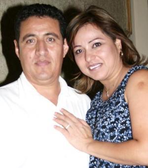 Alejandro Rodríguez y Gaby Sosa.