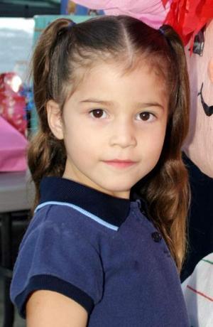 <u><i> 30 de Septiembre de 2004</u></i><p>   Cristina López Sotomayor, captada el día  que cumplió cinco años de vida.
