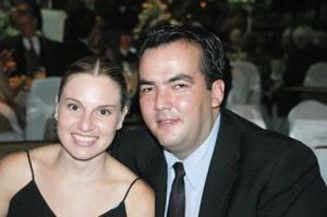 <u><i> 28 de Septiembre de 2004</u></i><p>   Silvia de Martínez y César Martínez.