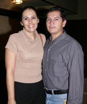 <u><i> 30 de Septiembre de 2004</u></i><p>  Socorro Reyes y Fernando Fernández.