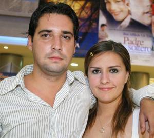 Tony Ramírez y Sara Olague