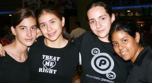 Francis Alva, Leslie Enríquez, Paola Urbina y  Ana Juárez.