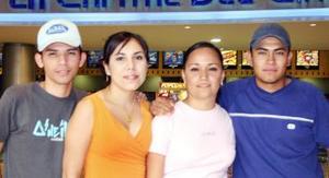 Martín Ortega, Mariana Ibarra, Alicia Espinoza y Gerardo Peña