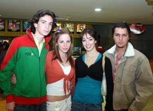 Eduardo García, Estefanía Leal, Fallon Dacarett y Edurado Olivares.