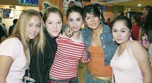 Natalia, Lily, Martha, Cristy y Karla.