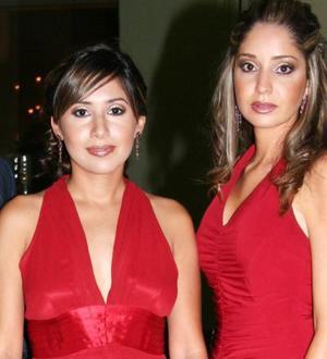 Claudia y Andrea.